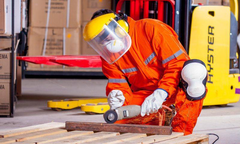 Holz- und Metall-Verarbeitung - Arbeitsmediziner Michael Chamoun